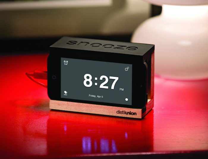 Snooze Alarm Dock for iPhone loading=