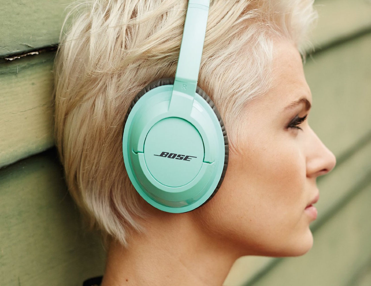 SoundTrue Headphones by Bose
