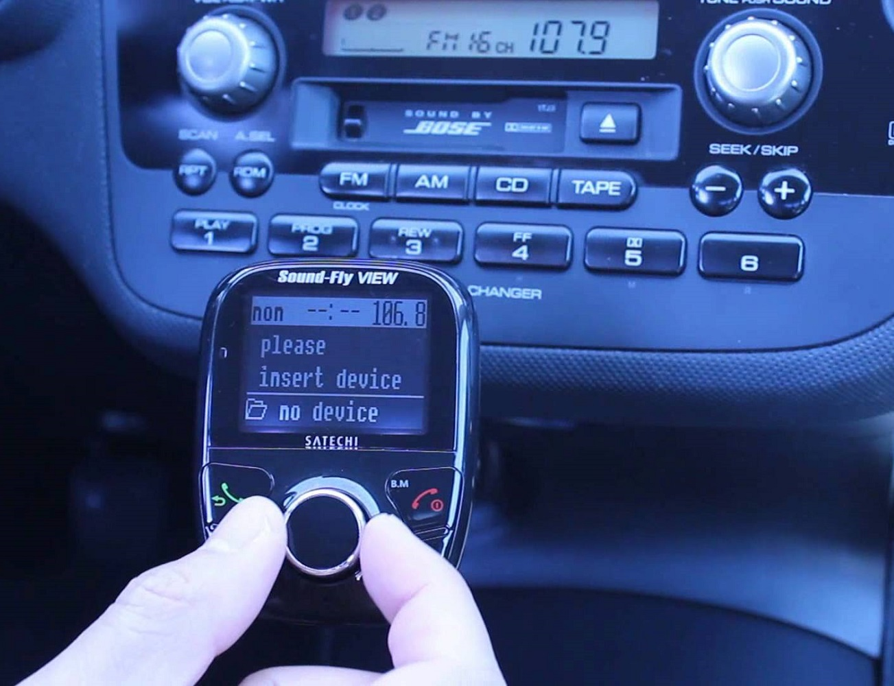 Soundfly View Bluetooth FM Transmitter