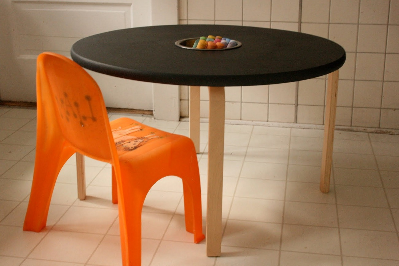 Woody Chalkboard Table
