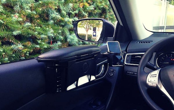 ArmRestor is a Top-Notch Car Accessory Taking You Back to What Driving Should Be Like – Comfortable and Distraction Free
