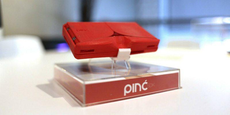 Pinc VR smartphone case on Indiegogo