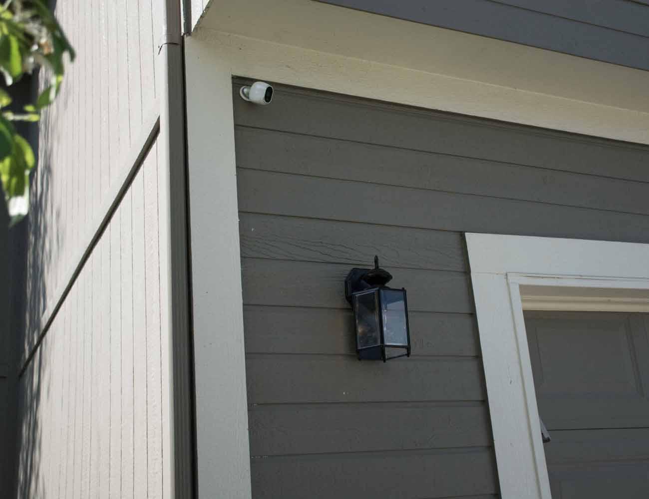 Arlo – Smart Home Security Camera