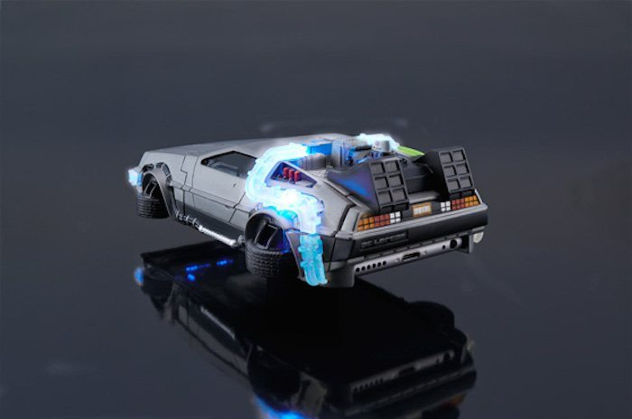 back-to-the-future-iphone-case-02
