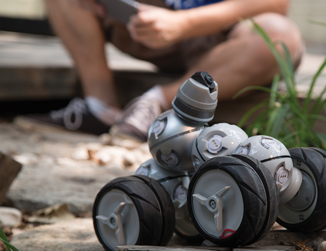 CellRobot – Hundreds of Robots in One