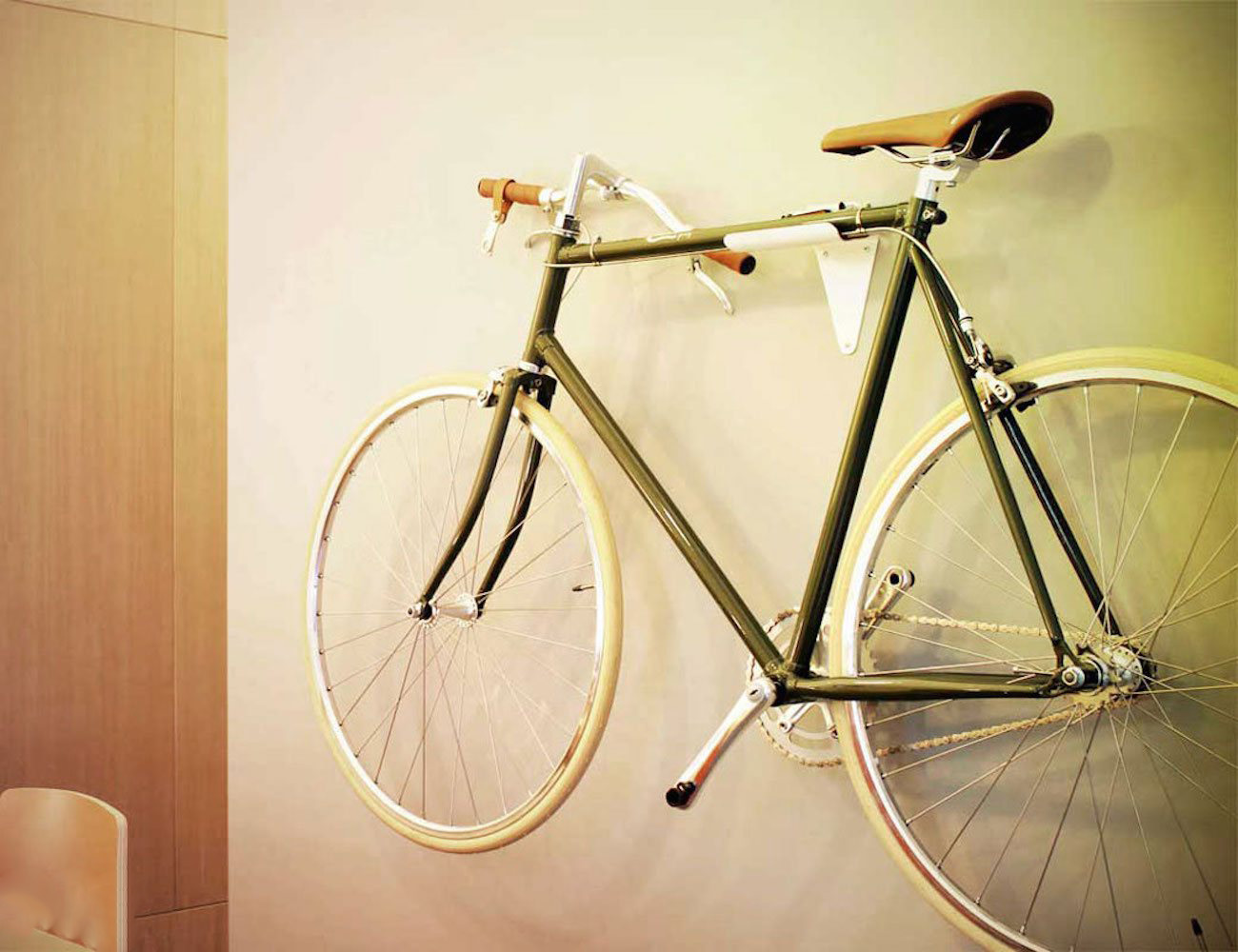 Flipcrown+%26%238211%3B+A+Useful+Accessory+That+Makes+Any+Bike+Fold+Flat+For+Storage