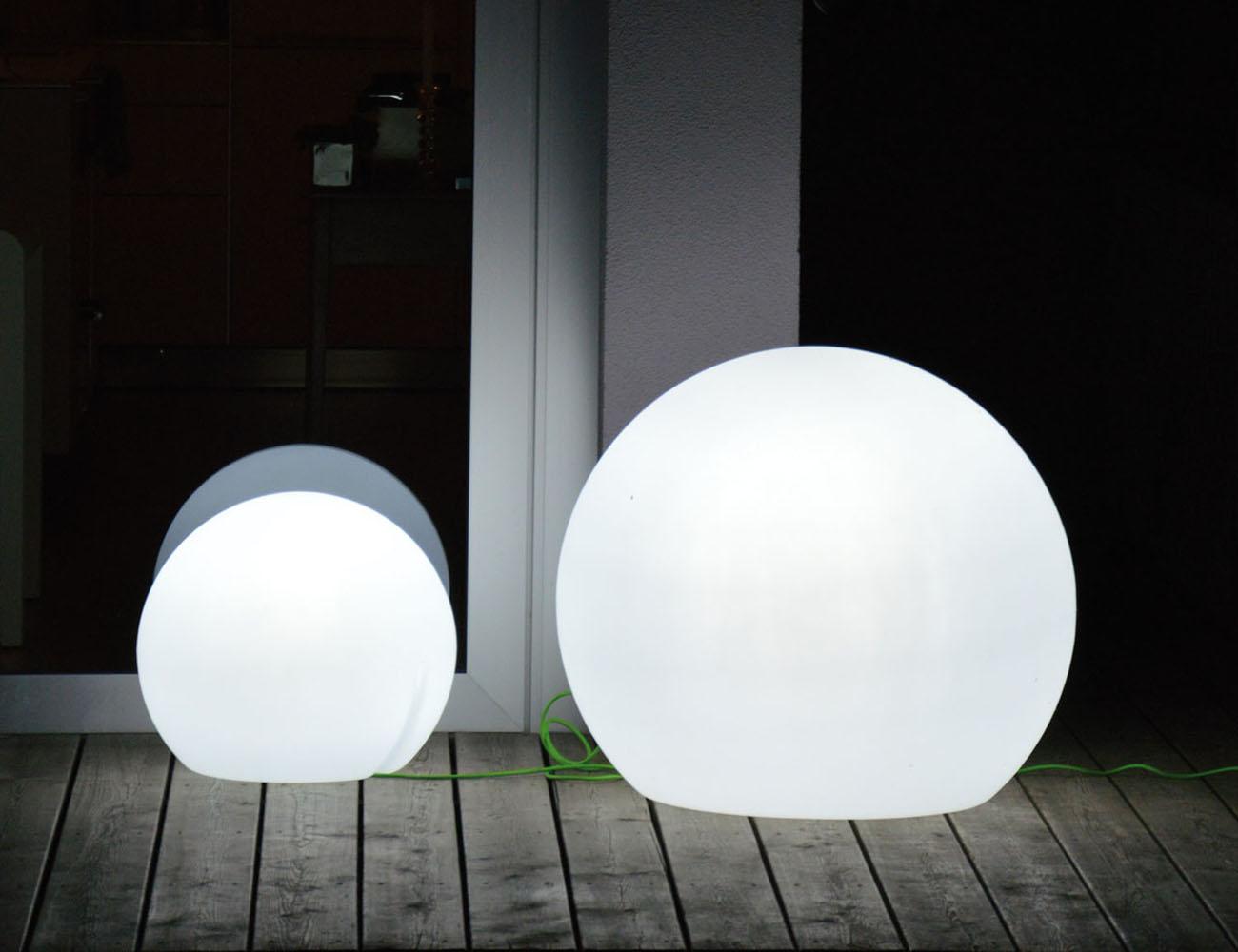 Happy Apple Outdoor Lamp