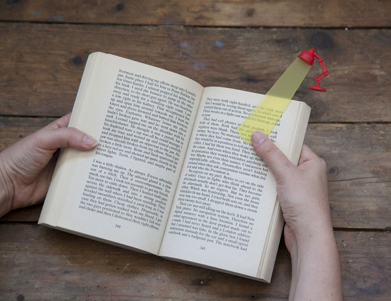 Lightmark – A Night Lamp Shaped bookmark