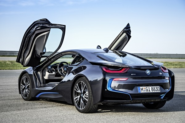 BMW i8: Because Who Wouldn't Want the Most Futuristic-Looking Car Out There?