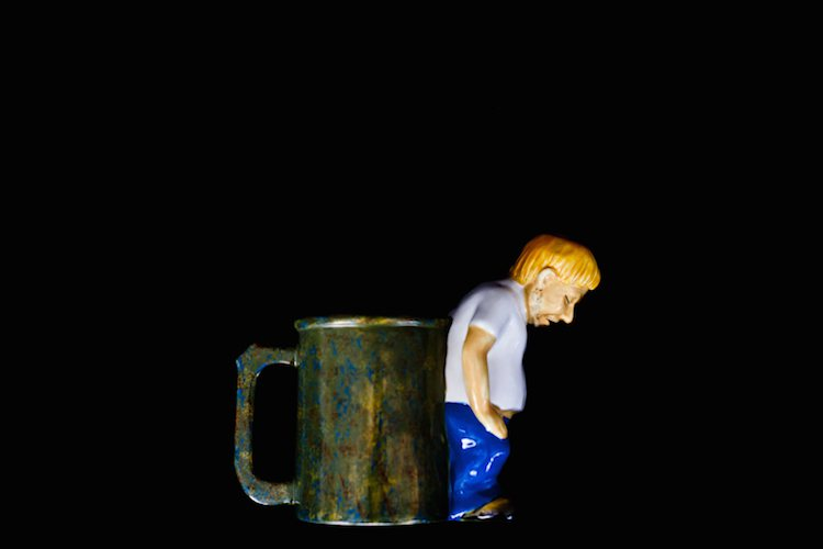 the-original-hurling-earl-drinking-pitcher-mug-03