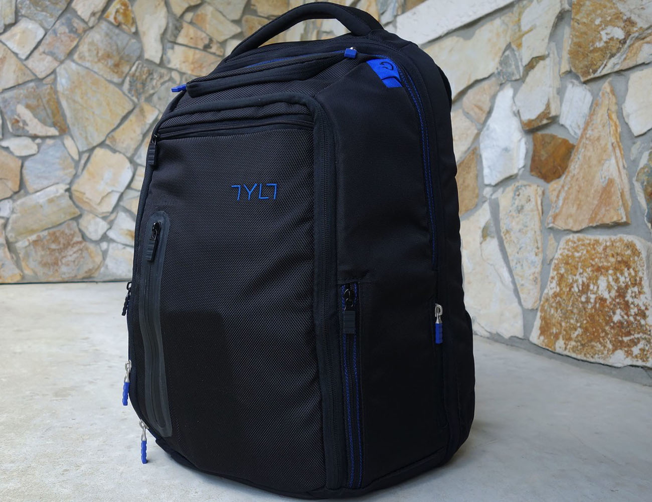 Tylt Energi Backpack + Battery