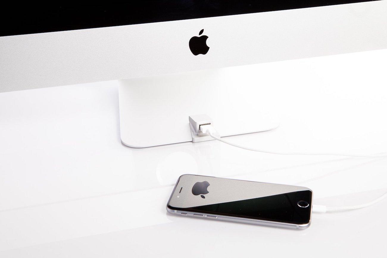 iMacompanion USB Port – Front USB Port for Your iMac