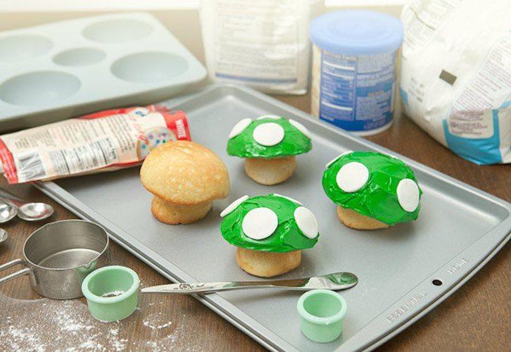 1-up-mushroom-cupcake-pan-01