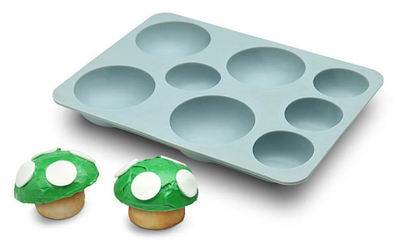1-up-mushroom-cupcake-pan-02
