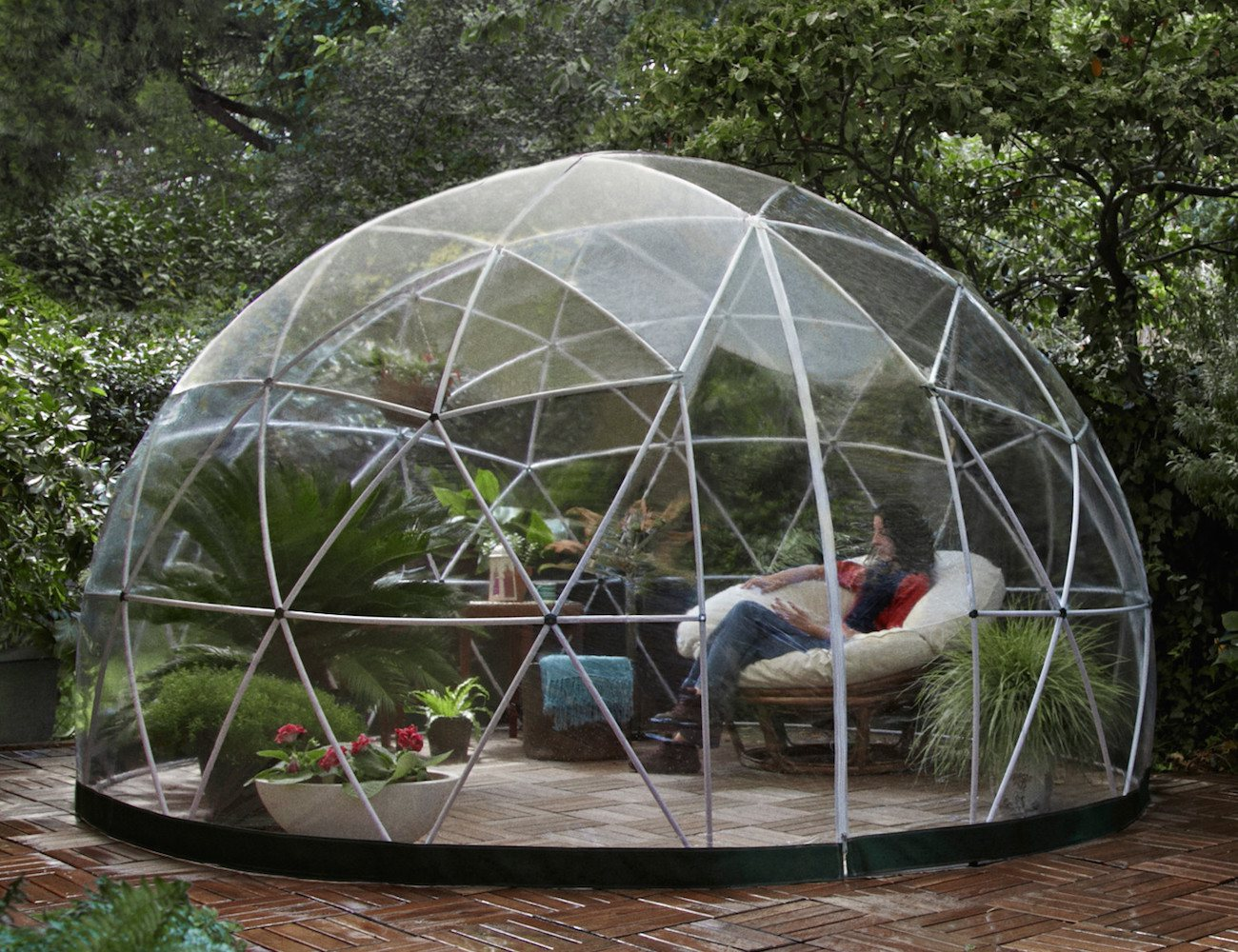 Garden igloo outdoor living space for your garden for Cost of outdoor living space