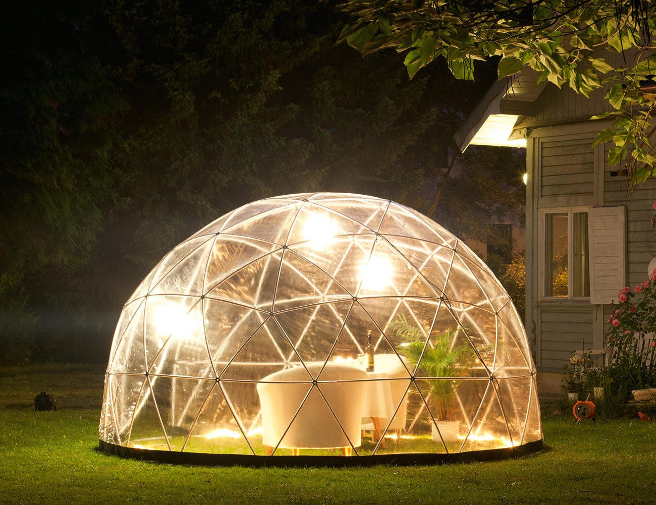 garden igloo outdoor living space for your garden gadget flow. Black Bedroom Furniture Sets. Home Design Ideas