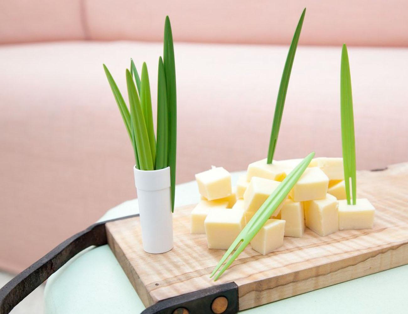 Leaf Picks – Blade of Grass Shaped Food Picking Tool