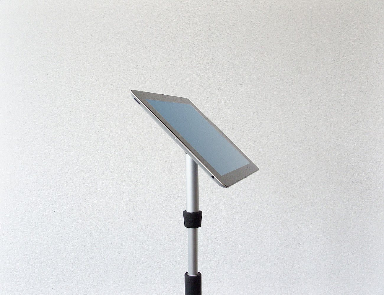 Mangroovv | The Tablet Stand Other Tablet Stands Want to Be
