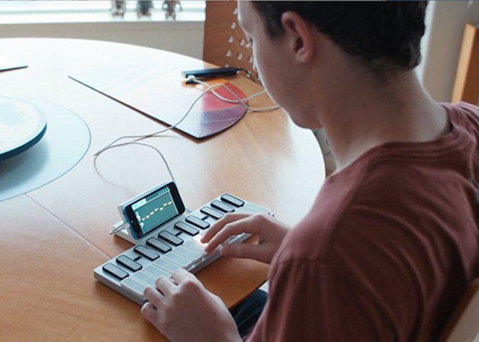 Keys: Modular LED Music Keyboard with Gestures