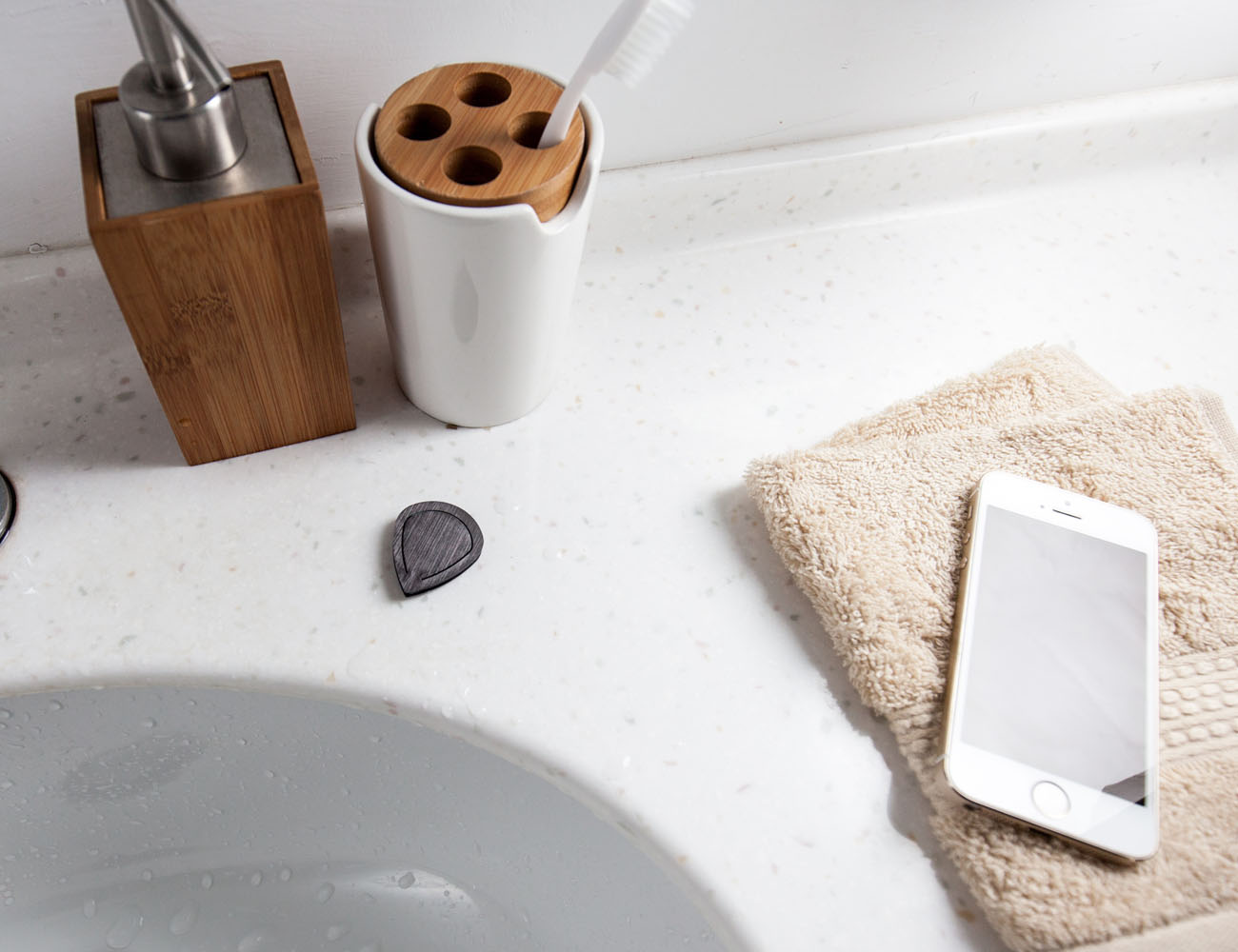 Qmote: The Water-Resistant Internet Remote For Smartphones