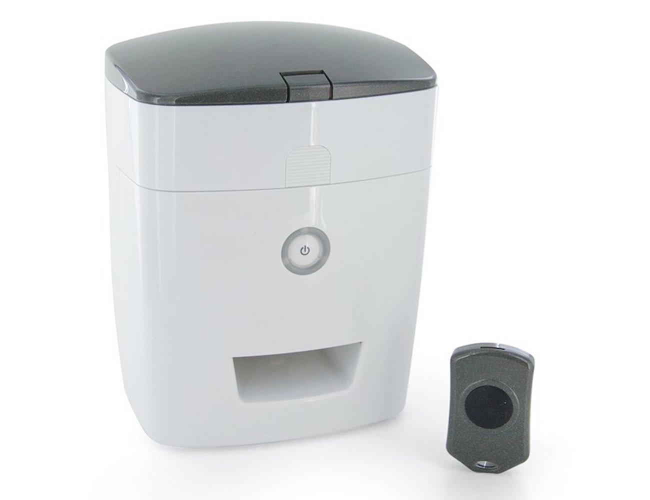 Remote Dog Treat Dispenser by PetSafe