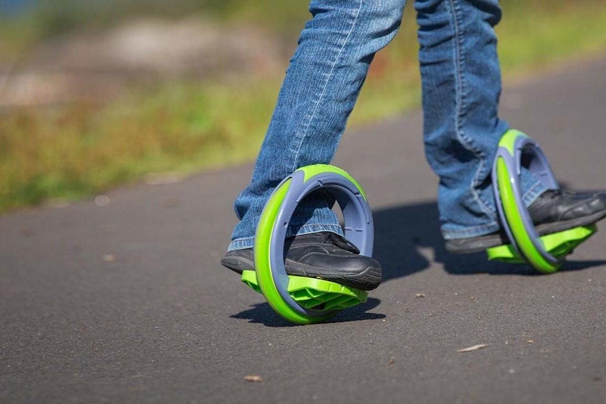 Sidewinding Circular Skates Postmodern Skateboard move forward when you lean