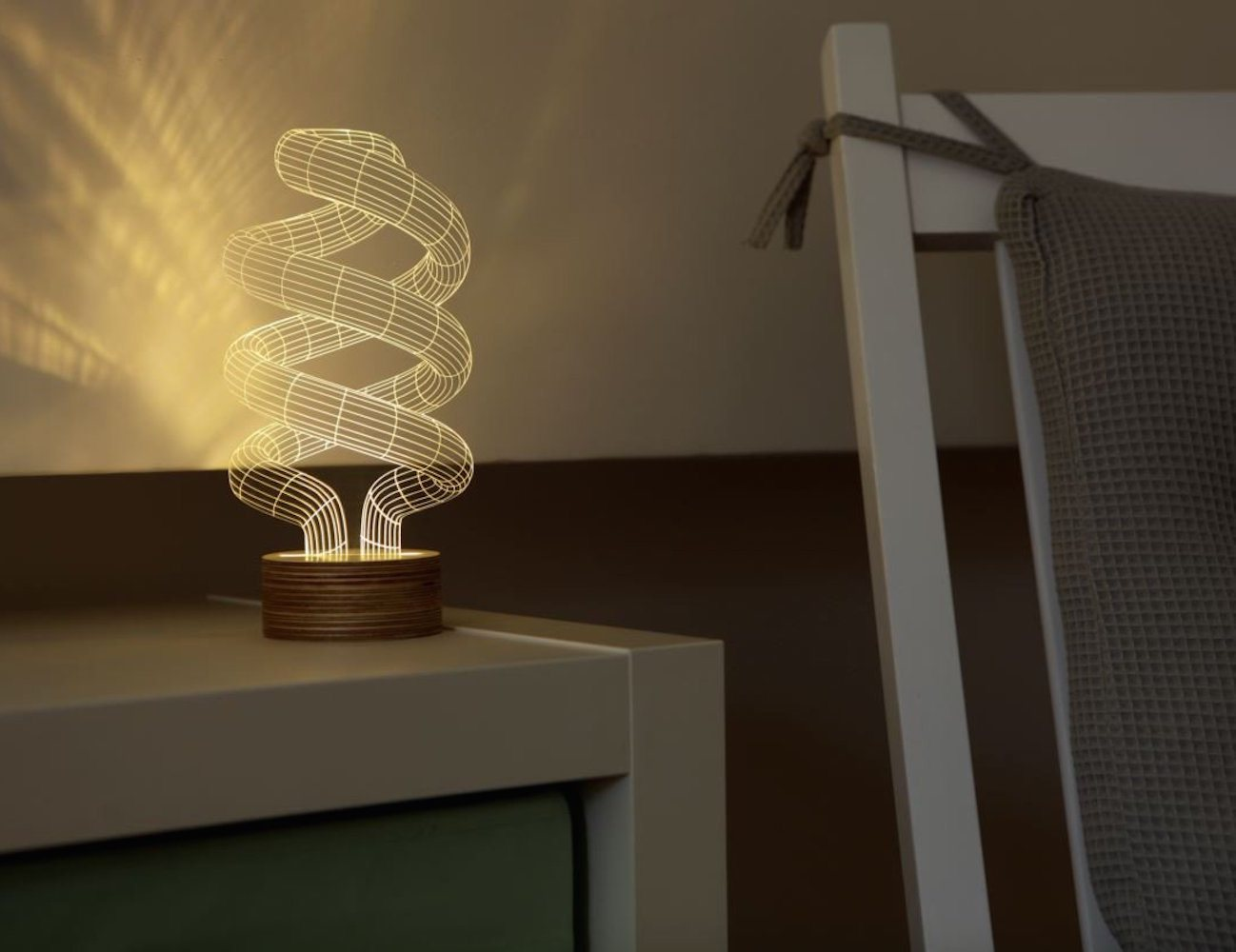 ... Spiral Bulbing Optical Illusion LED Lamp