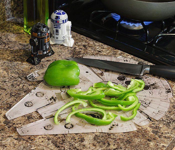 Star Wars Millennium Falcon Chopping Board