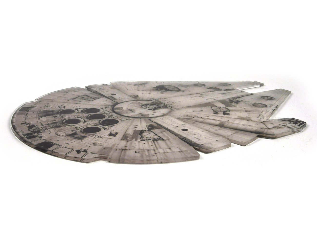 star-wars-millennium-falcon-chopping-board-04