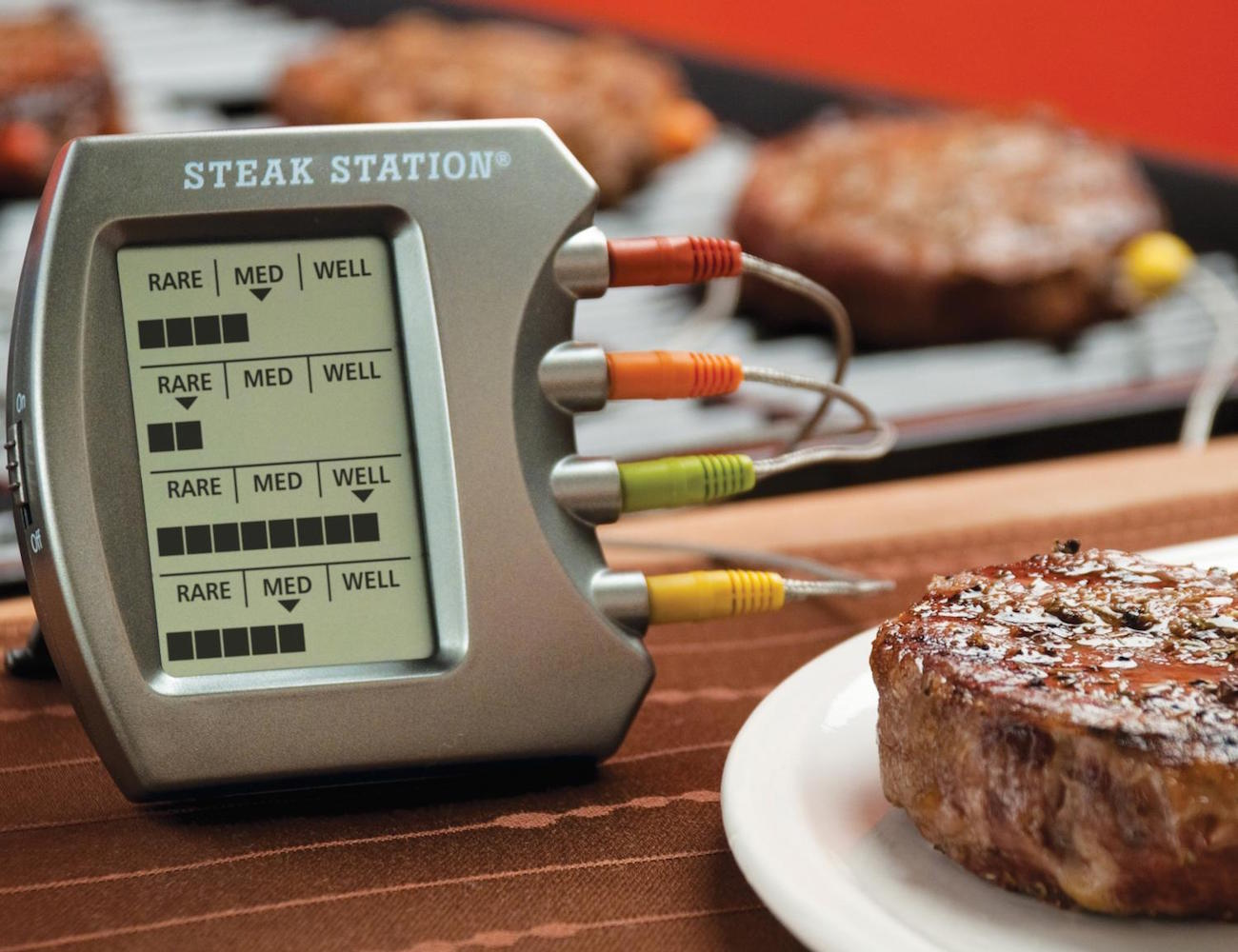 steak-station-thermometer-02