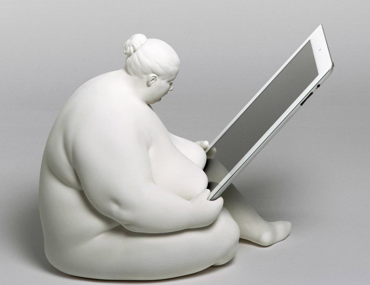 iPad Mini Venus of Cupertino Dock
