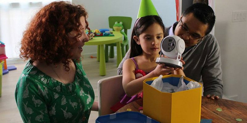 Lumo kid's games projector