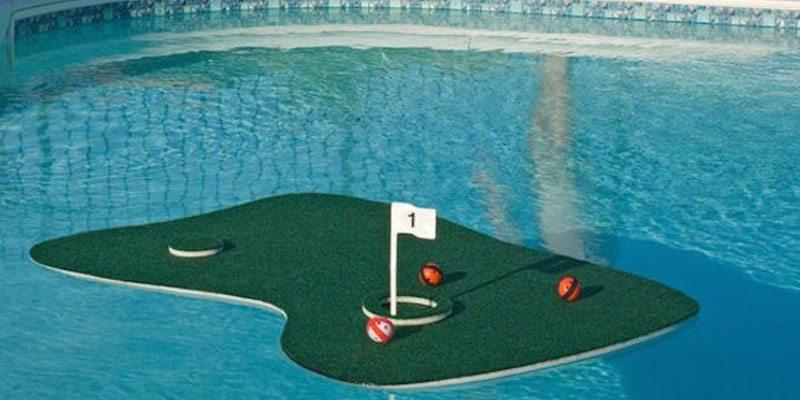 Floating Aqua Golf Chipping Game