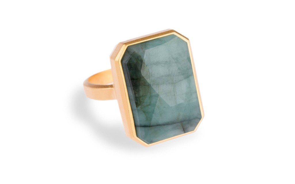 Emerald Ringly