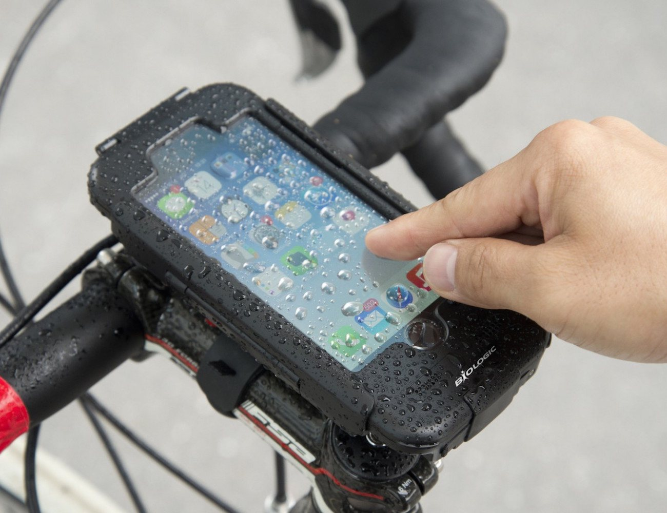 bike-mount-plus-for-iphone-03