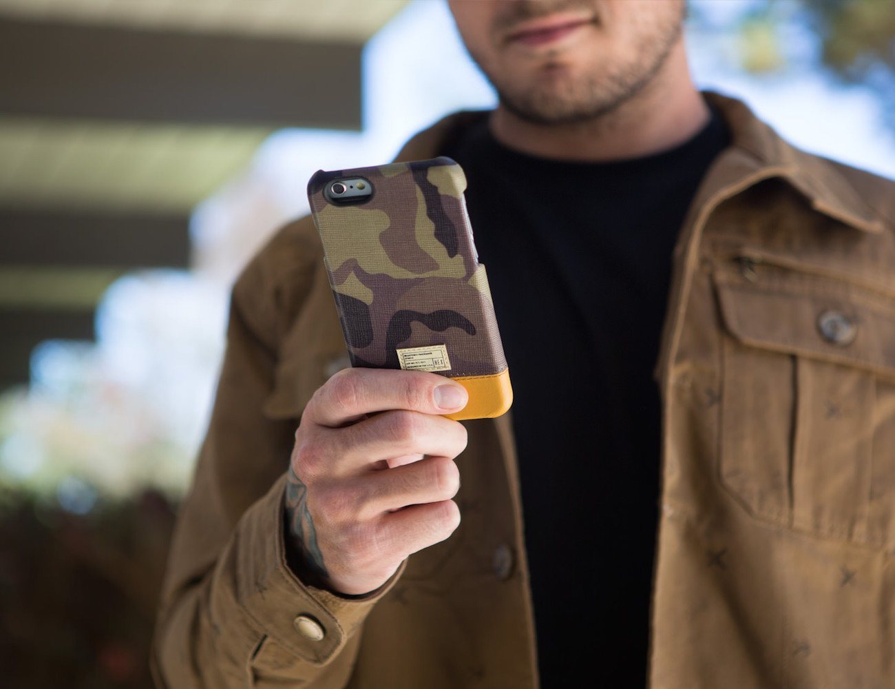 focus-iphone-6-camo-leather-case-by-hex-02