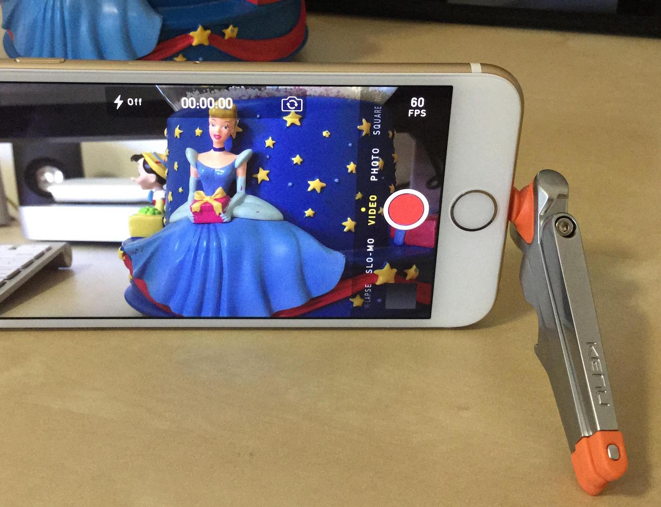kenu-stance-compact-iphone-tripod-03