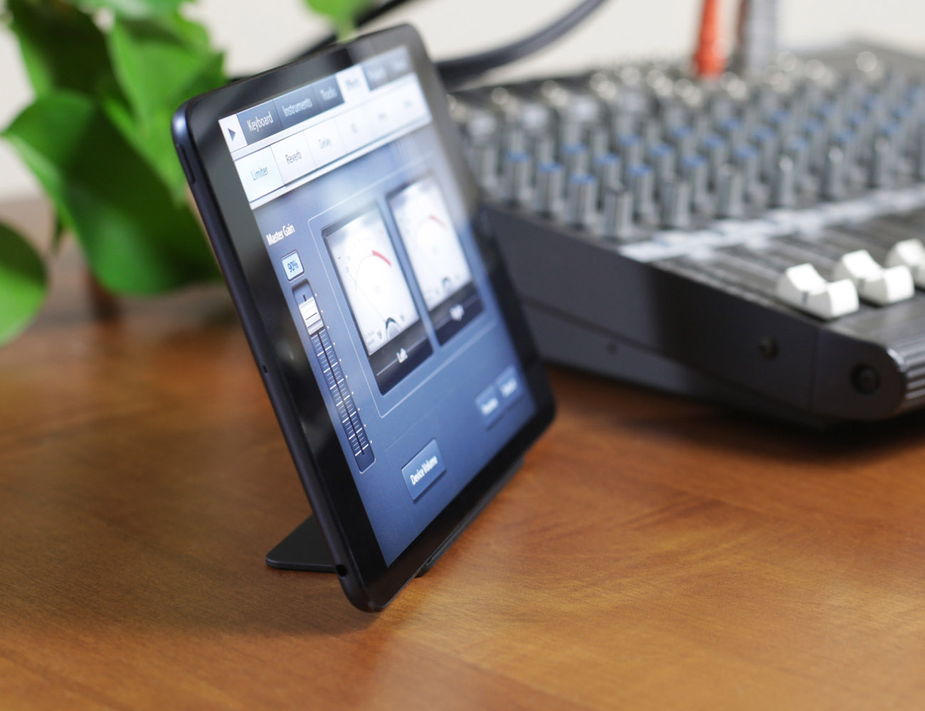 Magnus Stand for iPad mini