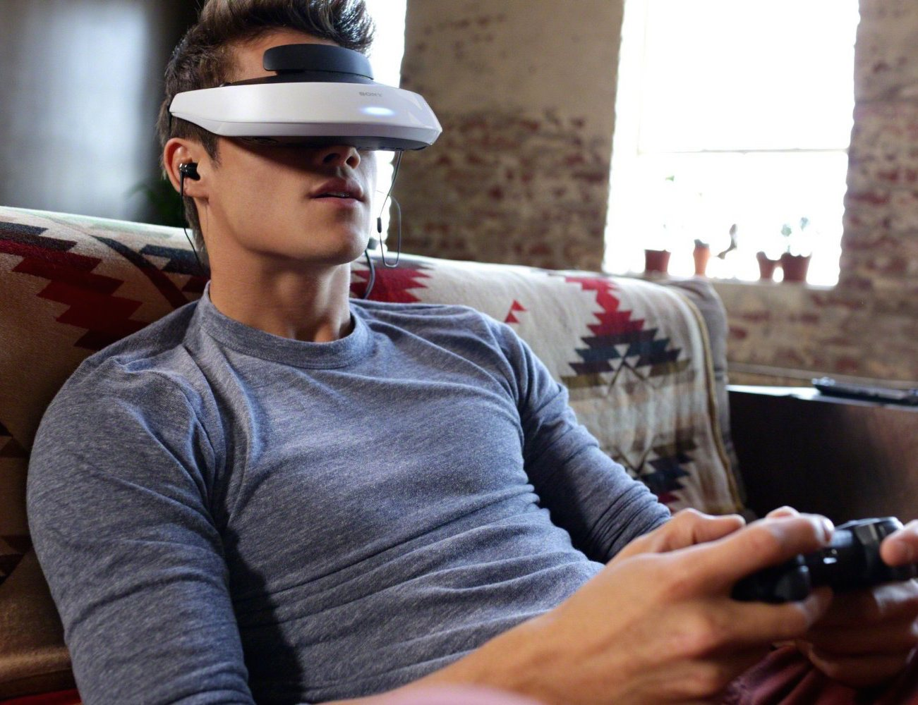 Personal+3D+Viewer+%26%238211%3B+Head+Mounted+Display+By+Sony