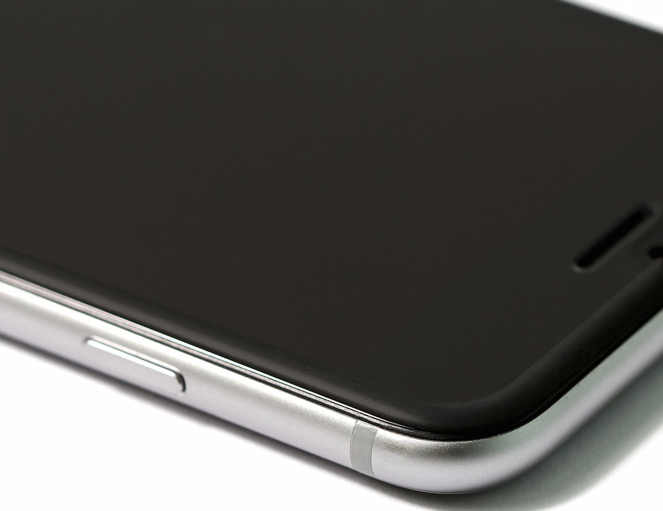 ITG Edge: Glass x Silicone Protector for iPhone 6