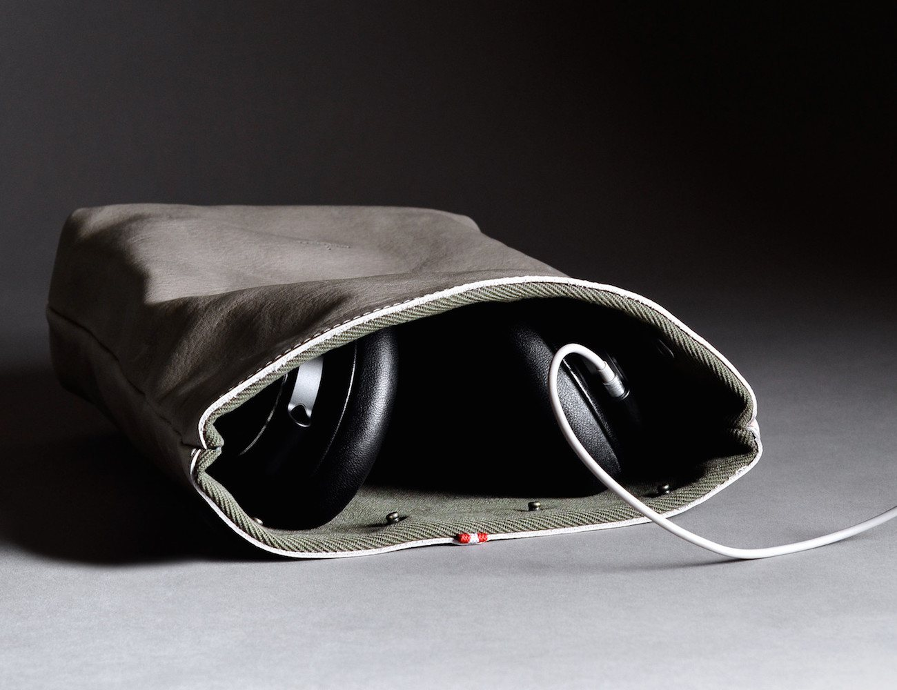 Session Headphone Case & Stand