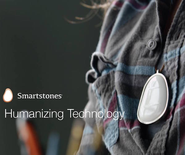 Smartstones: Wearable Touch Communicator