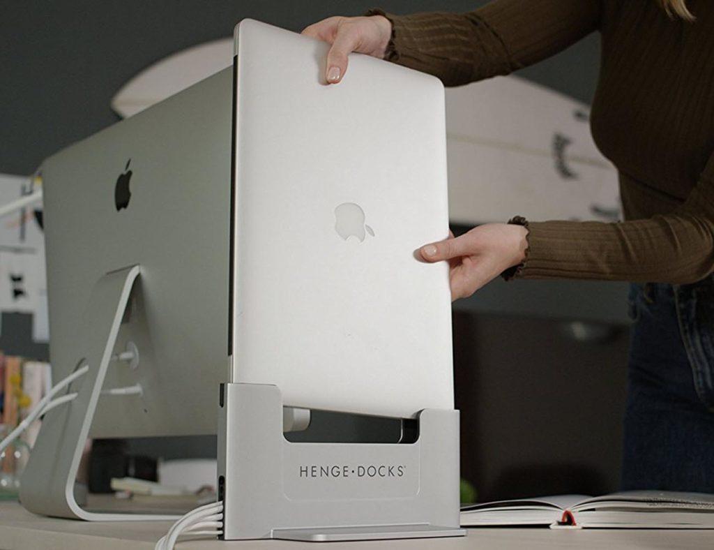 Vertical+Dock+for+Macbook+Pro+Retina+By+Henge+Docks