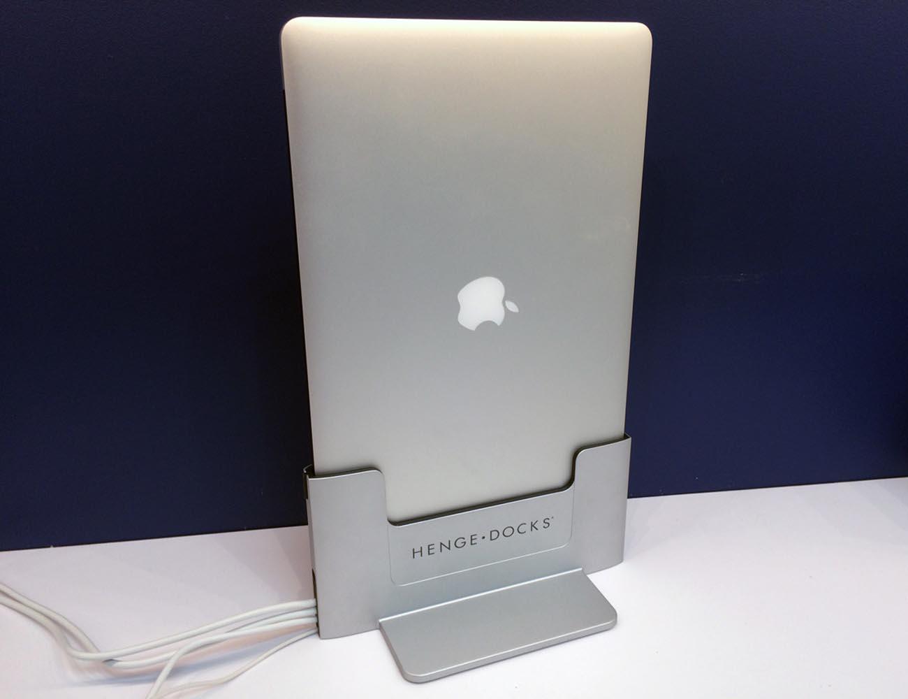 Vertical Dock for Macbook Pro Retina By Henge Docks