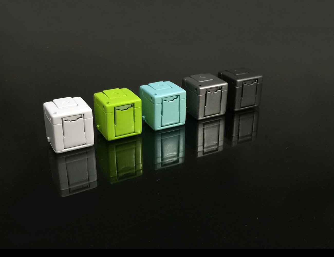 WonderCube: 8 mobile essentials in One Cubic Inch