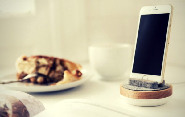 Spool Dock Just Made Your iPhone Stand a Lot More Sophisticated