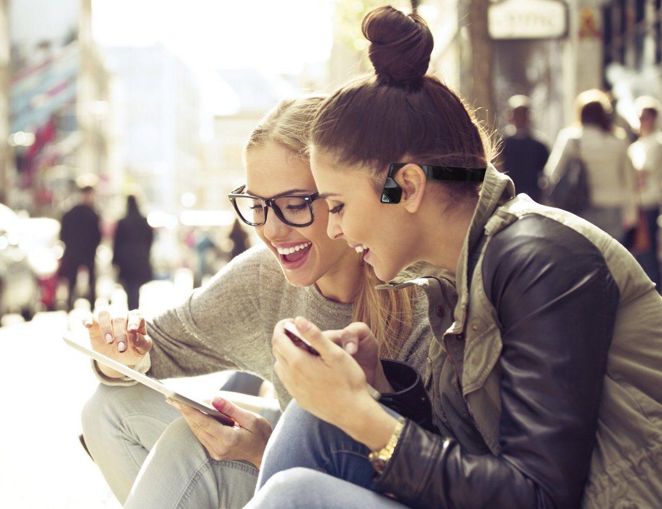 AfterShokz Bluez 2 – Wireless Open Ear Headphones