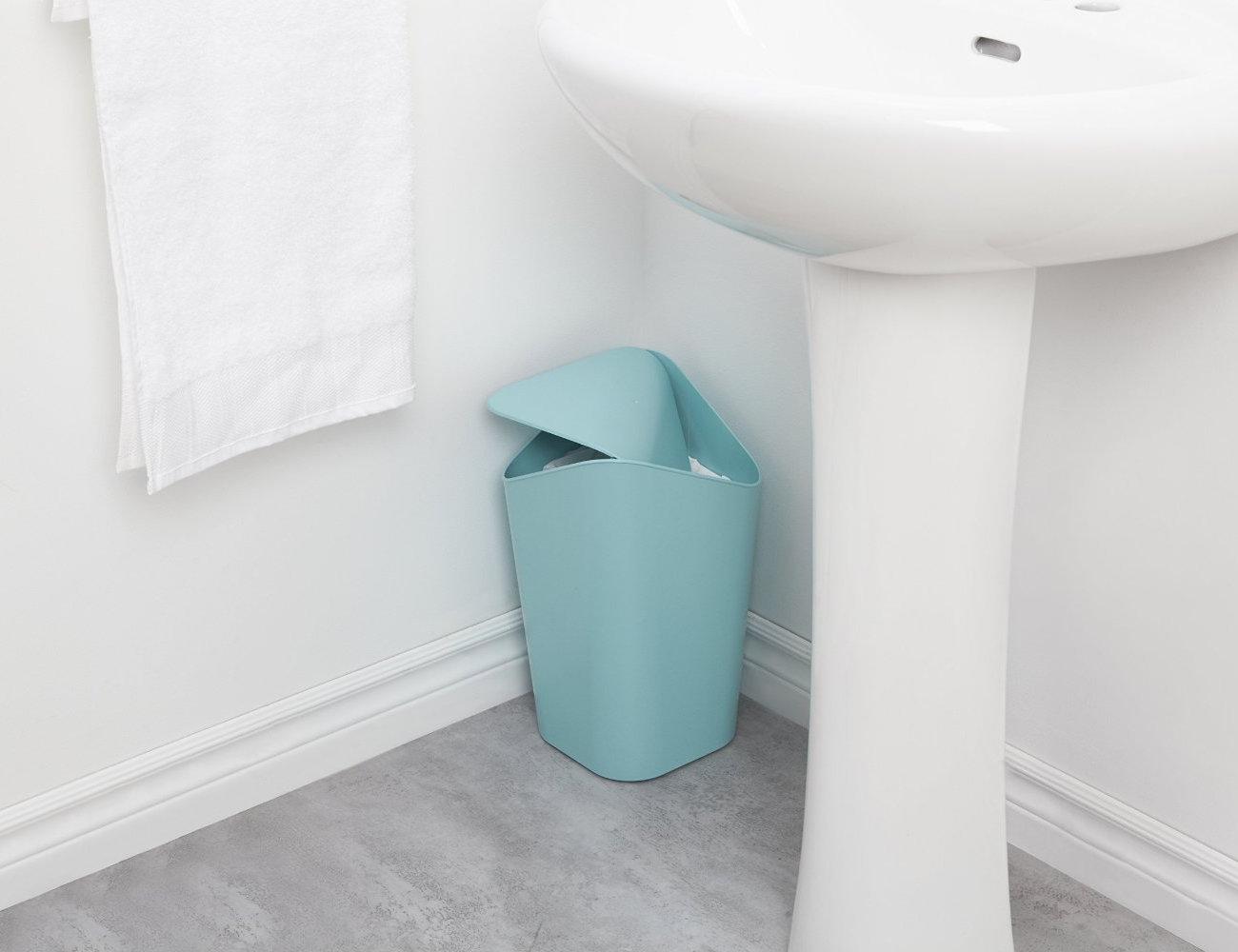 Corner waste bin perfect waste bin for corners review - Corner wastebasket ...