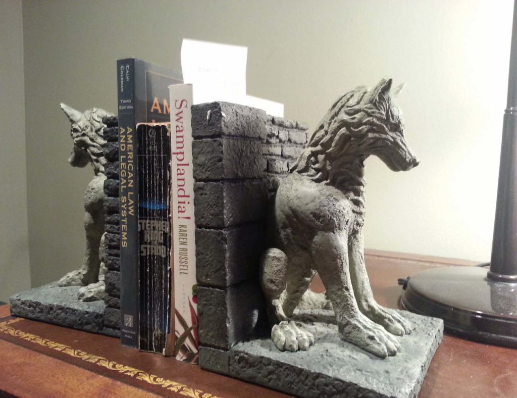Game+of+Thrones+Stark+Direwolf+Bookends