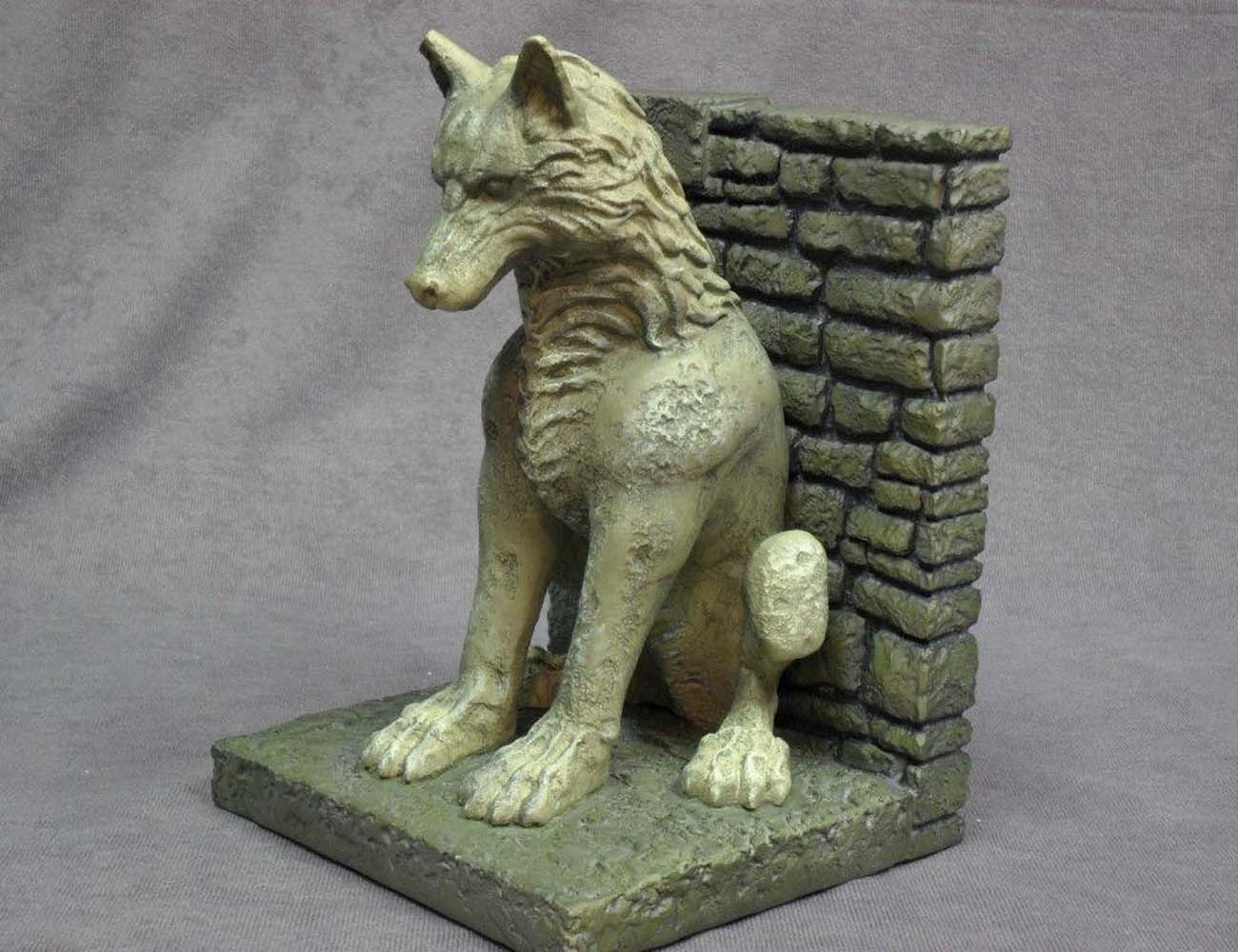 Game of Thrones Stark Direwolf Bookends loading=